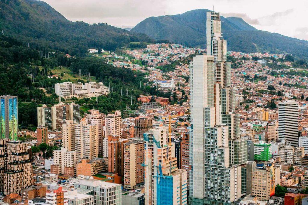 Pro y contra de vivir y trabajar en Colombia