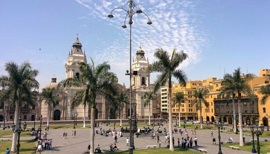 Pro y contra de vivir y trabajar en Perú