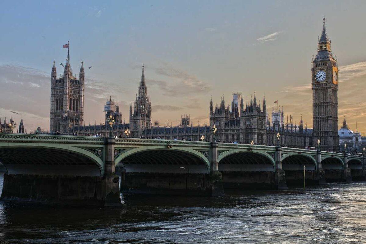 Trabajar en Reino Unido como hispanohablante