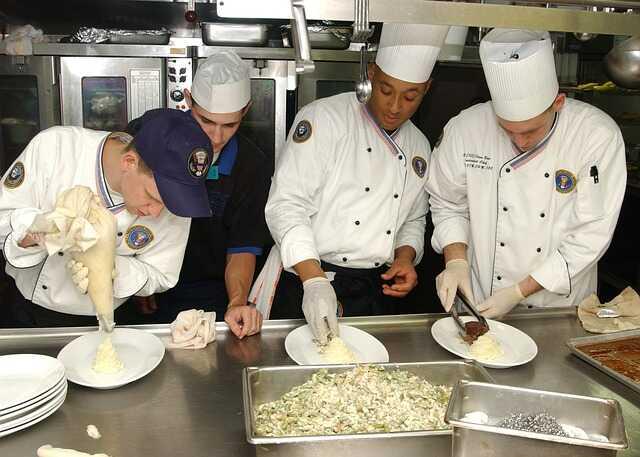 trabajar de ayudante de cocina en Chile