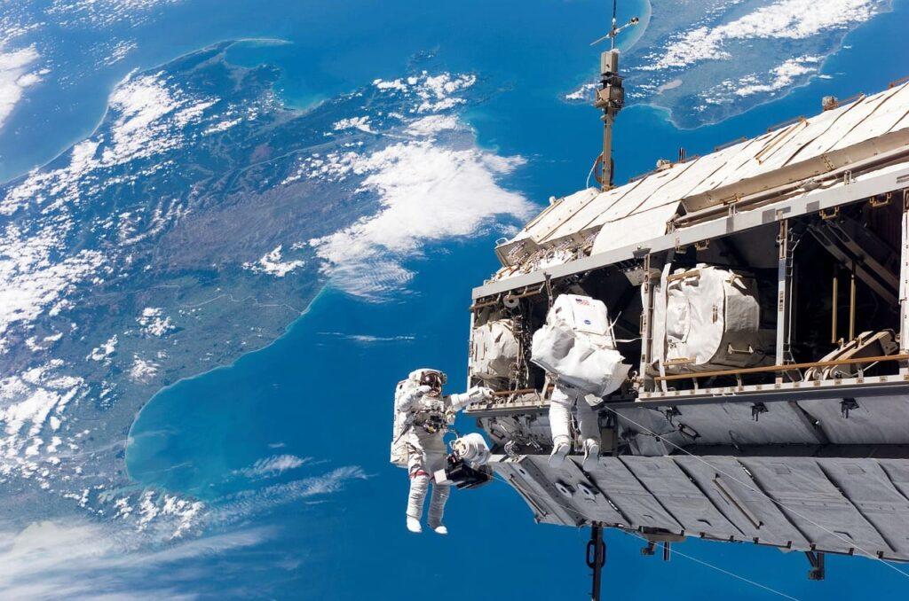 Estudios universitarios ideales para conseguir trabajo en la NASA
